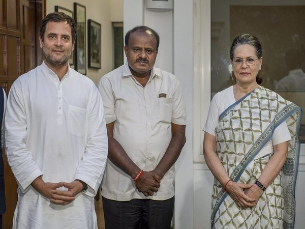 Kumaraswamy with Rahul Gandhi