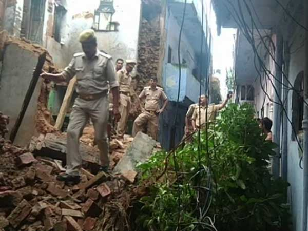 Lucknow: Three-storey building collapses in Ganeshganj area