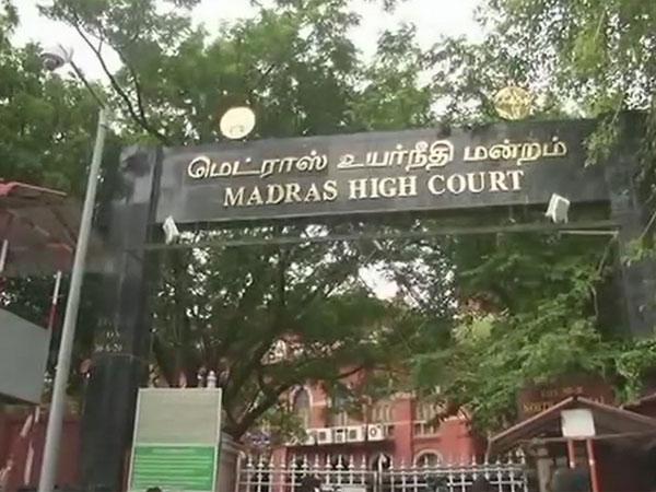 Full text of HC order that permitted Karunanidhi to be buried at Marina