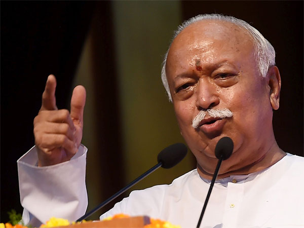 Mohan Bhagwat offers prayers at Pune temple for speedy construction of Ram temple