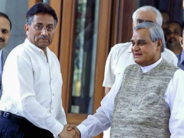 File photo of Atal Bihari Vajpayee with Pervez Musharraf