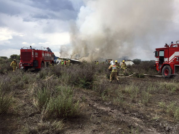 Aeromexico plane with 100 people onboard crashes, no deaths reported