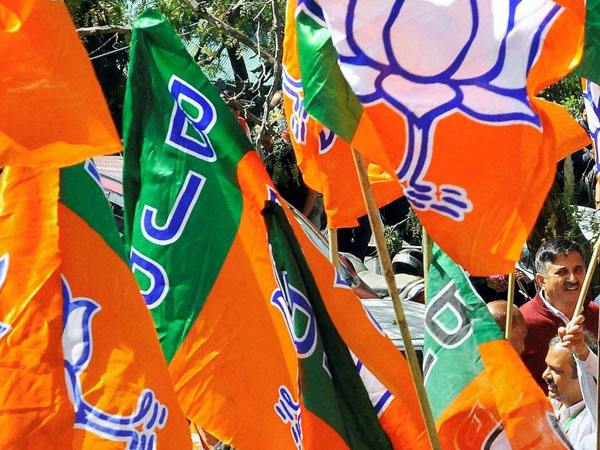 BJP's 21-member booth committee to have five bikers and five members with smart phone
