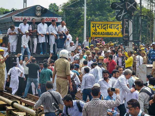 Bharat Bandh highlights: India witnesses mixed response, non BJP states bear the burnt