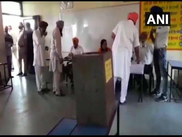 Punjab Zila Parishad, Panchayat Samitis Election 2018: Voting underway