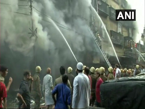 Kolkata: Major fire breaks out at Bagri Market in Canning Street, 30 fire engines on spot