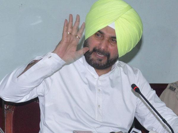 EC seeks report from Katihar DM over Navjot Singh Sidhu's remarks