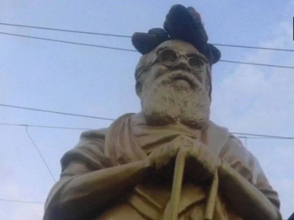 Tamil Nadu: Periyar statue vandalised, footwear found on its head in Tirupur