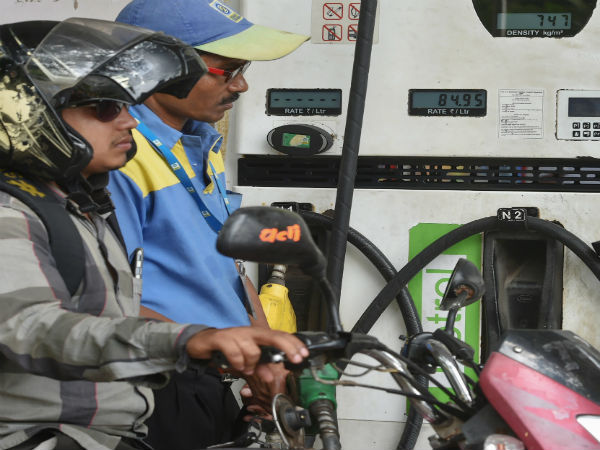 Petrol and diesel prices decrease on Diwali