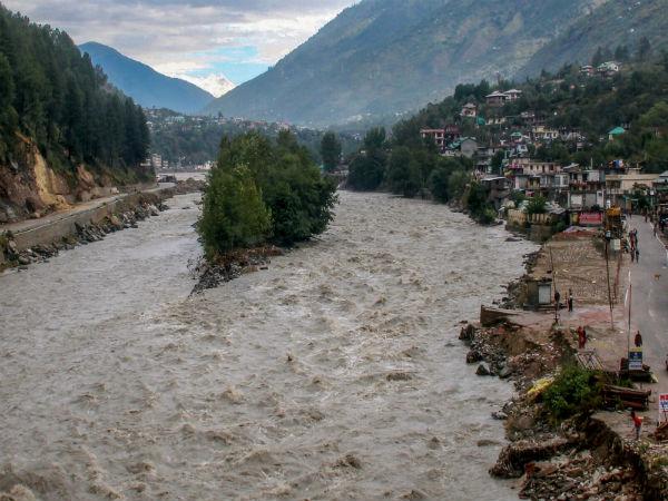 Himachal Pradesh: 50 trekkers rescued by IAF, 500 people still stranded in Lahaul-Spiti