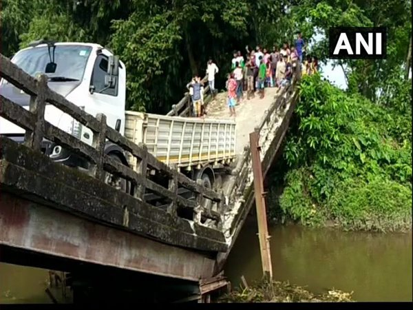 Canal bridge collapses in Siliguri