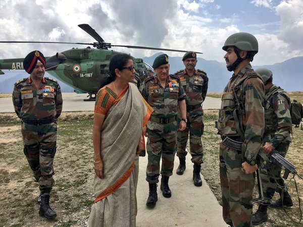 Sitharaman, General Rawat visit Kashmir, review security situation (Image courtesy - ANI/Twitter)
