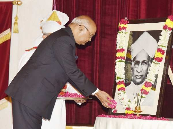 File photo of President Kovind paying homage to Dr. Radhakrishnan