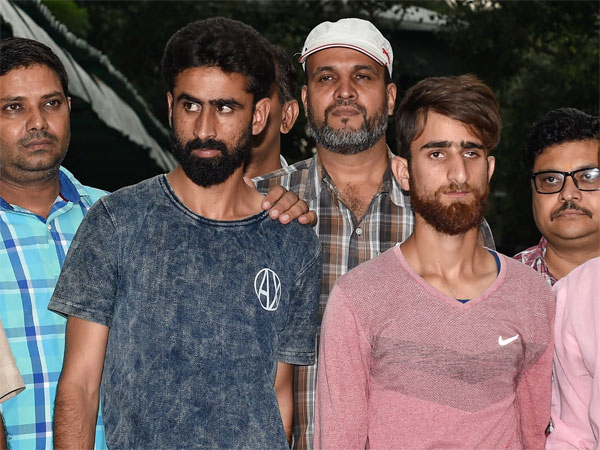 Delhi Polices Special Cell arrest two suspected terrorists, Parwez Rashid and Jamshed Jahoor, affiliated to the Islamic State in Jammu and Kashmir (ISJK) organisation, in New Delhi