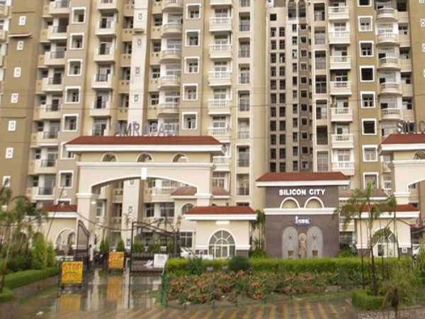 Playing hide and seek: SC sends 3 directors of Amrapali group to police custody