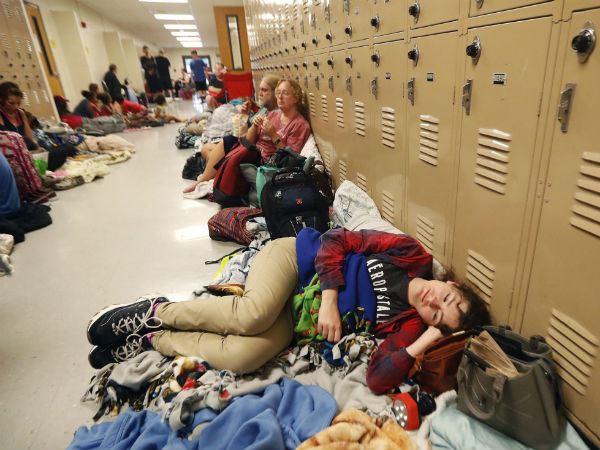 Shelter houses hundreds of people
