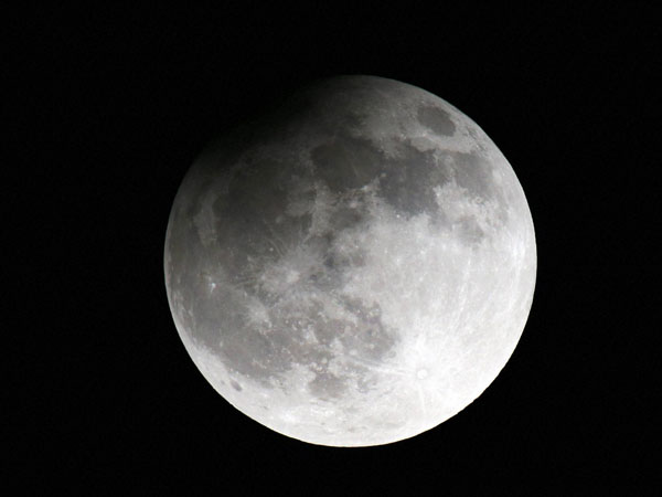 China to Put a 'Fake Moon' In Night Sky by 2020
