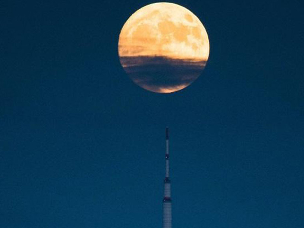 China to Launch World's First 'Artificial Moon'