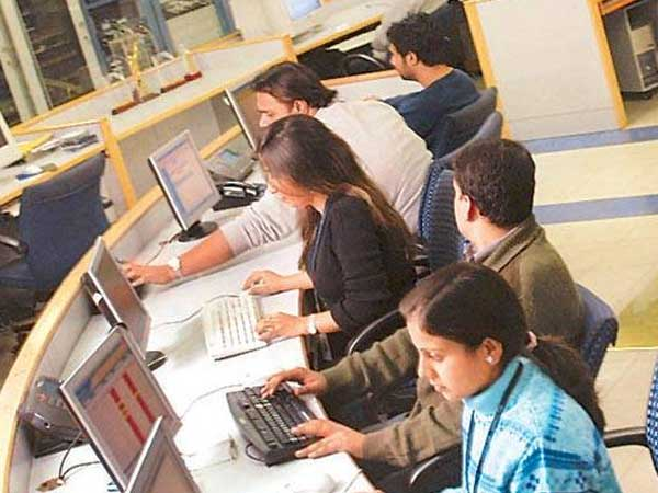 With the help of Canada, Indian cops bust huge call centre scam