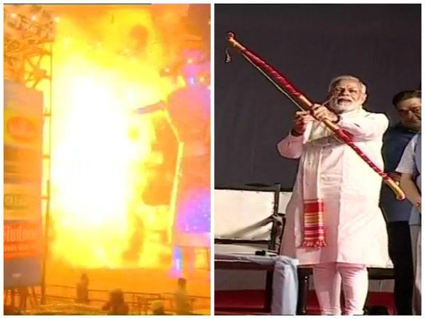 Narendra Modi burns effigy of Ravan