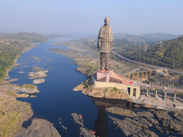 Statue of Unity: Tribals in Kevadiya village lock up engineer in  protest against lack of jobs