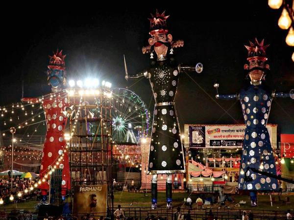 Durga Puja 2018: Devotees throng pandals, festive fervour grips nation