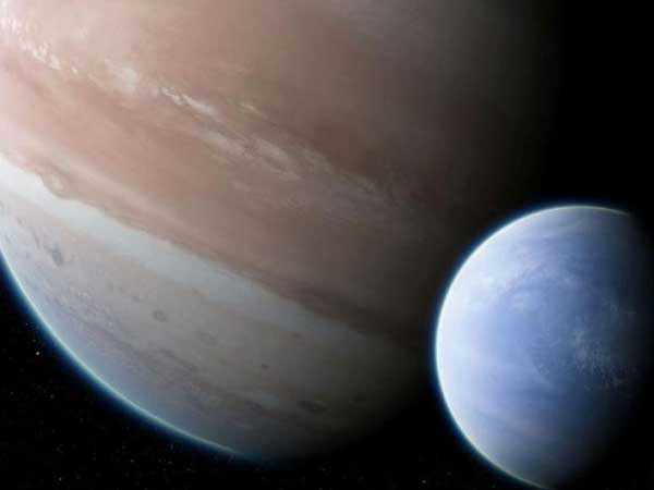 How did the astronomers discover exomoon?