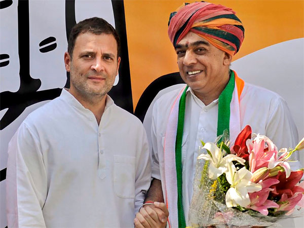 Congress President Rahul Gandhi welcomes veteran BJP leader Jaswant Singh's son Manvendra Singh as he joins Congress party, in New Delhi