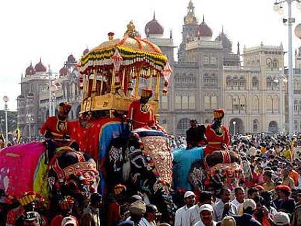 'Jumboo Savari' enthralls Mysore