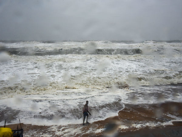 Cyclonic storm Titli weakens, claims 7 lives in Andhra Pradesh, one in Odisha
