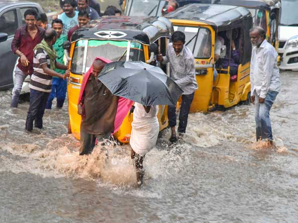 Weather forecast for Oct 25: On and off rains likely in Hyderabad