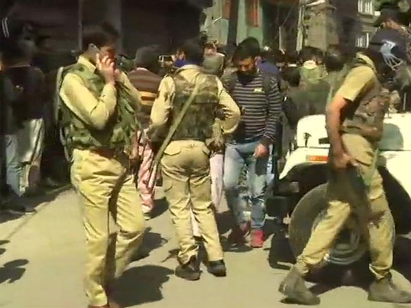 What led to the killing of the NC workers in Srinagar