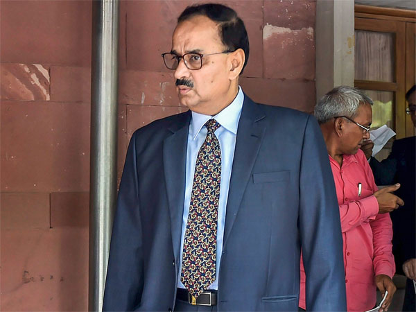 CBI war: Verma files reply on CVC report in SC
