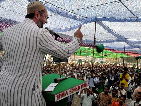 AIMIM chief Owaisi says Congress offered him ₹25 lakh bribe to cancel rally in Telangana