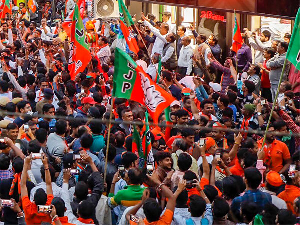 BJP earned over Rs 1,000 crore in 2017-18