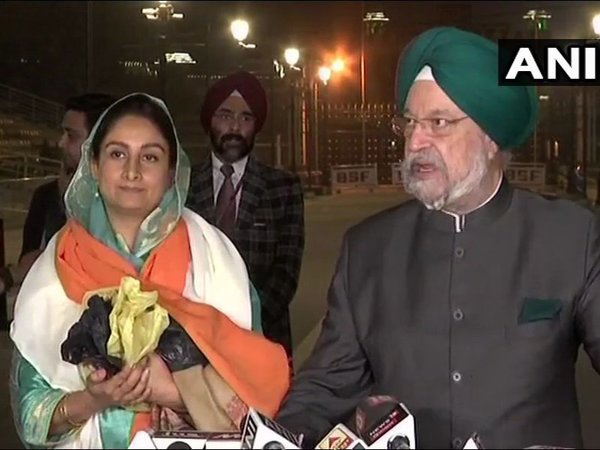 Union Ministers Harsimrat Kaur Badal and Hardeep Singh Puri. Courtesy: ANI news