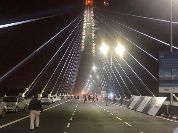 Delhi: Signature Bridge with 154-metre high viewing box, selfie spots to open for public today