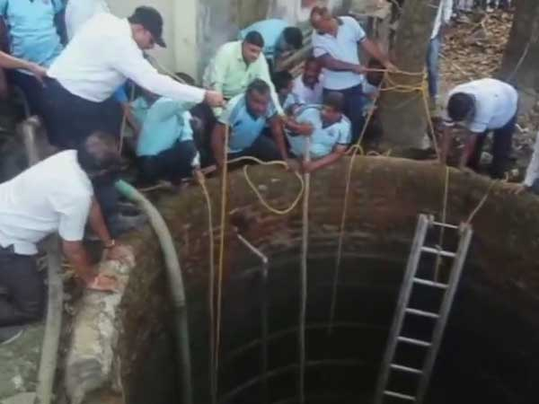 Well of death: 5 people died while cleaning a well in Thane