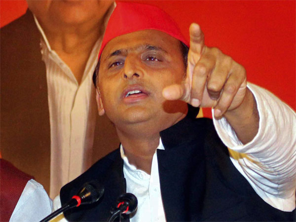 Criminal negligence, says Akhilesh over EVM glitch; EC rejects