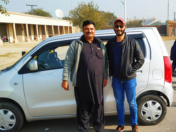 Indian man overwhelmed by Pak cab driver's gesture; social media showers blessings