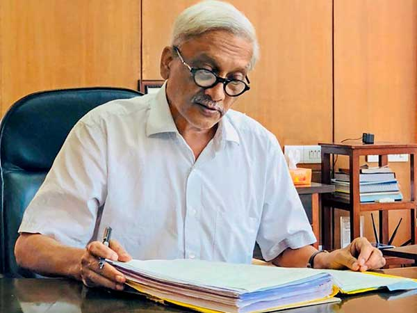 Bombay HC directs Goa govt to file affidavit on Manohar Parrikar s health