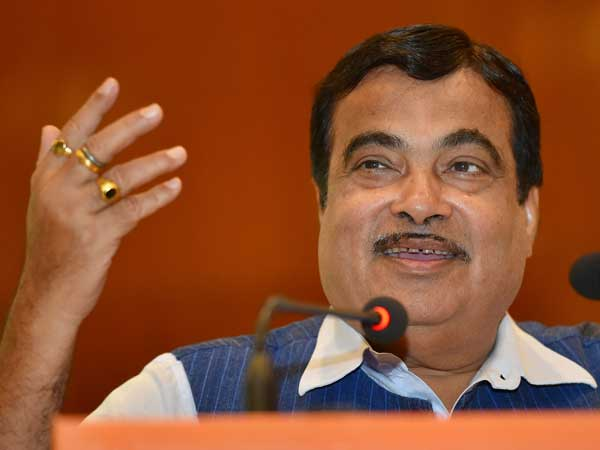 Mahagathbandhan is formed due to helplessness, says Gadkari