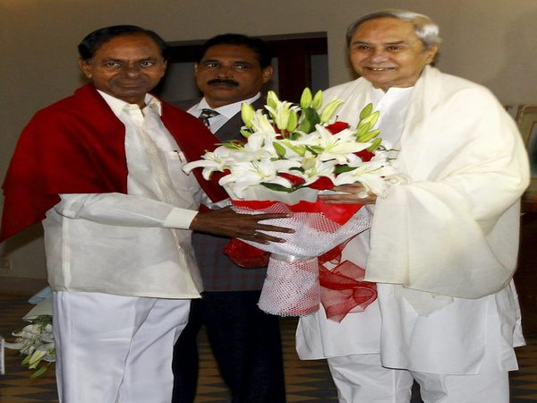 Federal Front: KCR meets Patnaik, calls for unification of regional parties against BJP, Cong