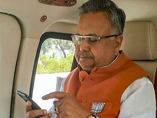 Its neck-to-neck in Chhattisgarh, but Raman Singh trailing