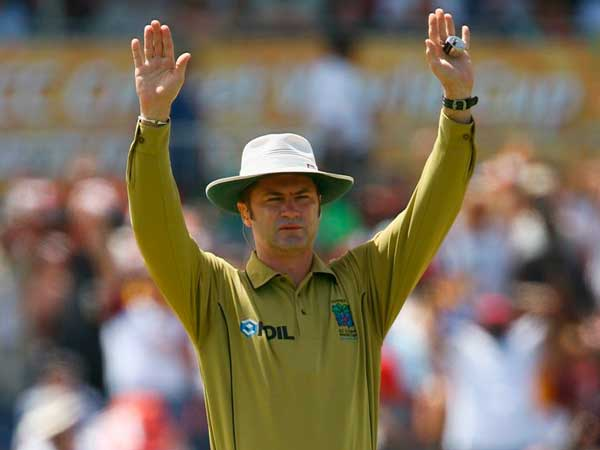An Umpiring Insight: Rendezvous With Simon Taufel