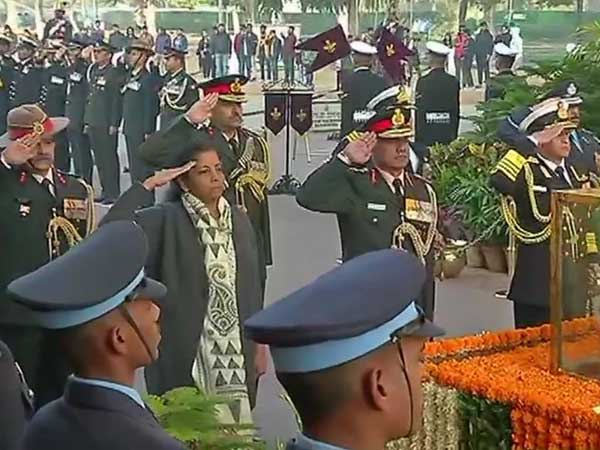 Nation celebrates Vijay Diwas to mark Indias victory over Pak in 1971 war