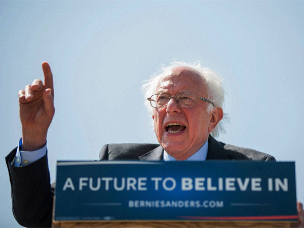 Bernie Sanders adviser forcibly kissed female subordinate in 2016 campaign: Report