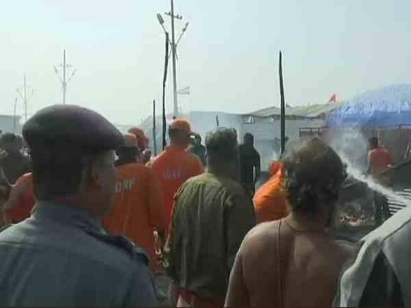 Cylinder explosion triggers blaze at Kumbh mela camp, no casualties