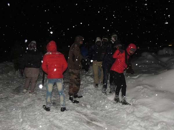 Stranded tourists amidst heavy snowfall: