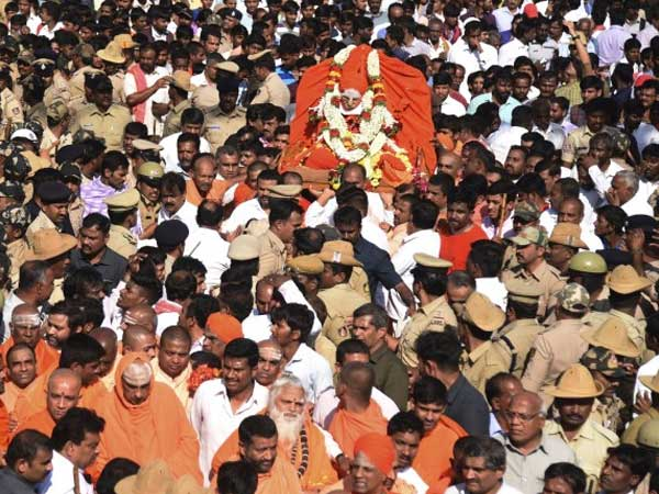 Tumkuru city pays perfect homage to Siddaganga Swamiji